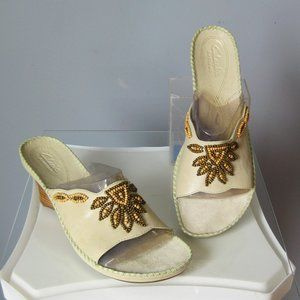 Clark's Leather Slides Pale Green Beaded Open toe